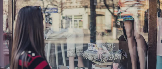 Ways to Overcome GIG Syndrome - Young lady doing window shopping